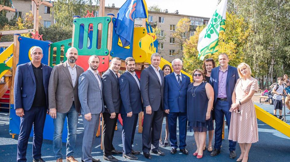 Алексей Солдатенко принял участие в открытии скейт-парка и детской площадки в Лесном городке