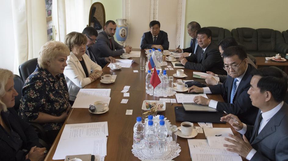 В составе делегации Российской академии наук