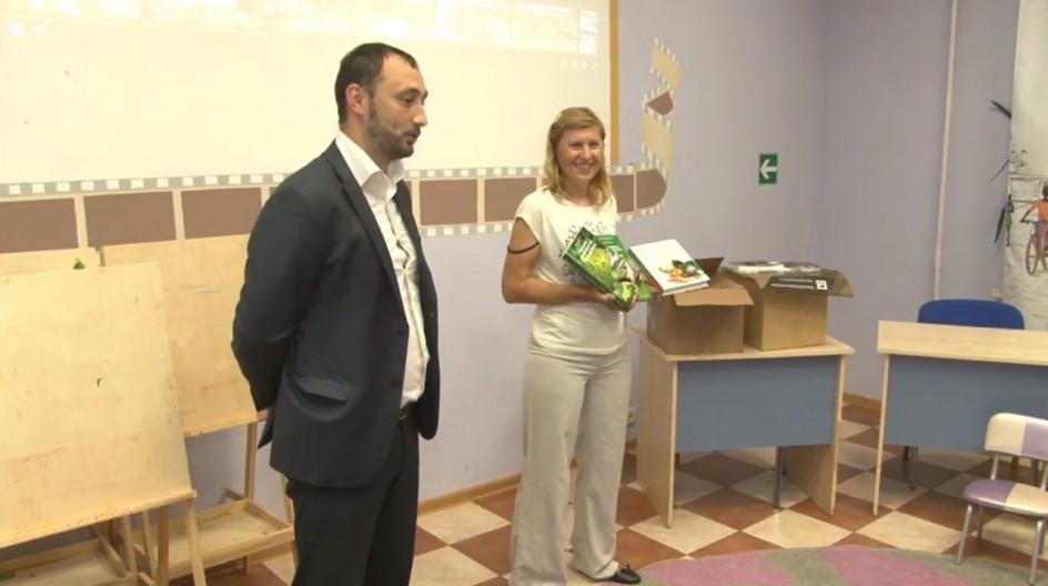 Алексей Солдатенко и Владимир Сёмин передали Голицынской библиотеке книги в дар