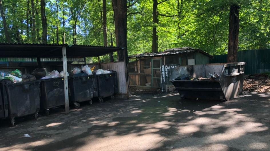 Алексей Солдатенко проконтролировал вывоз ТКО с контейнерных площадок в дачном поселке Лесной Городок