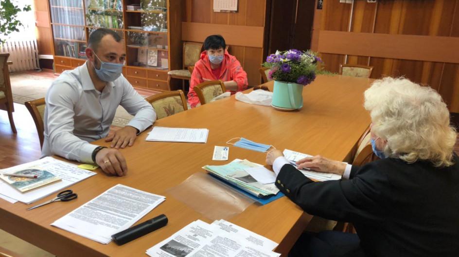 Алексей Солдатенко принял в работу просьбу ветерана войны о замене газовой плиты