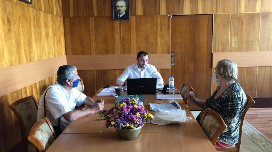 Алексей Солдатенко предоставил жителям Лесного Городка консультацию по вопросу земельных отношений