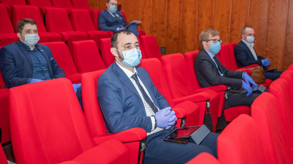Депутаты приняли участие в заседании Совета депутатов в условиях карантина