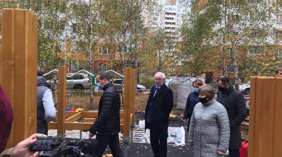 Алексей Солдатенко оценил качество проведения комплексного благоустройства в посёлке ВНИИССОК