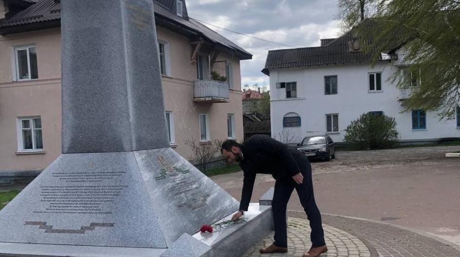 Алексей Солдатенко принял участие в вахте памяти у стелы «Белая Берёзка – посёлок партизанской славы» в Брянской области