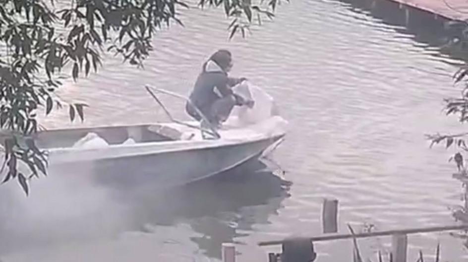Алексей Солдатенко проверит способ очистки пруда в поселке ВНИИССОК по жалобе жителей